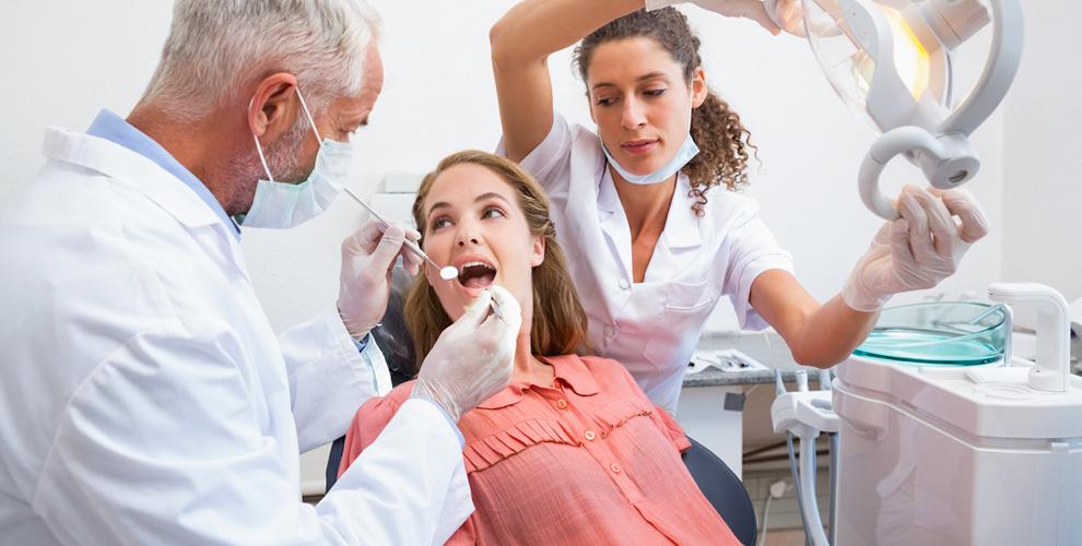 Профессиональная гигиена полости ртаилечение кариеса встоматологии «Классик-Дент»