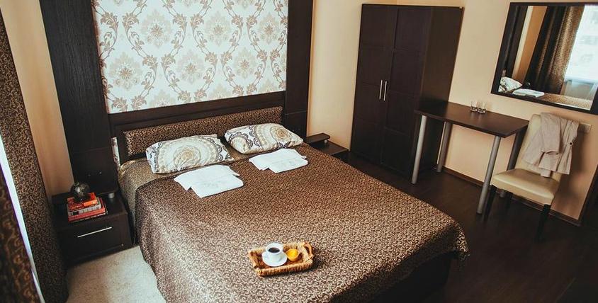"""Проживание в номере """"Стандарт"""" для двух или трех человек в мини-отеле """"Граф Толстой"""""""
