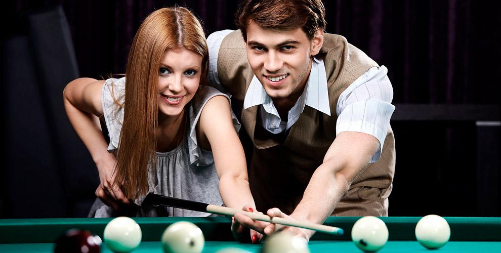 Игра в русский бильярд, американский пул и меню в клубе «Дуплет»