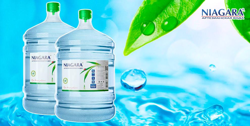 """Бутыли артезианской воды, помпа и напольный кулер от компании """"Ниагара"""""""