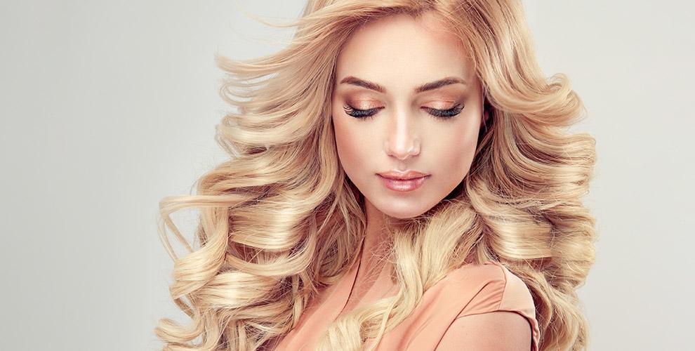Стрижки, окрашивание волос, маникюр, макияж, оформление бровей вдоме красоты Sofi