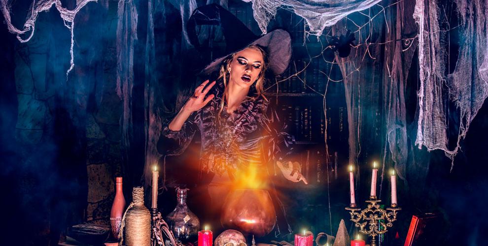 Участие вмистическом перформанс-квесте «Склеп ведьмы» вкомпании FearOfQuest
