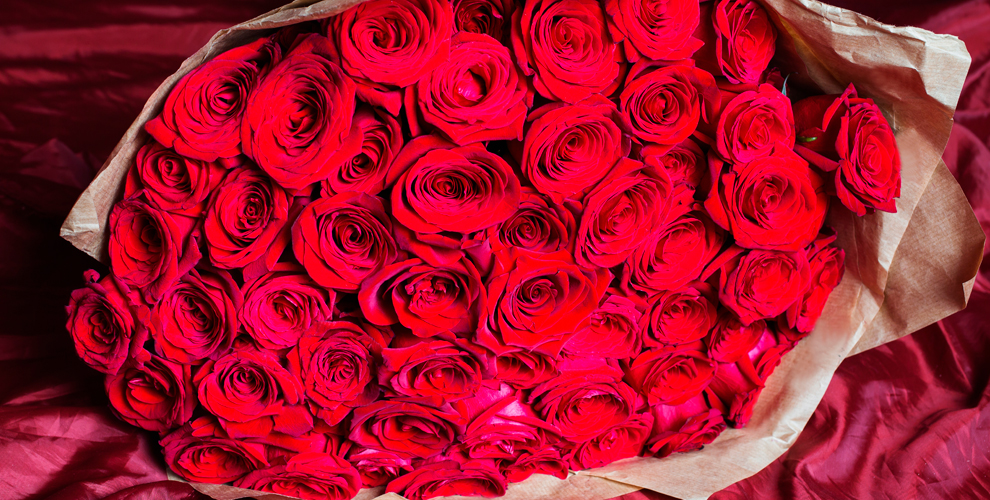 Компания Flowers Empire: букет из роз и цветы в коробке на проспекте Мира