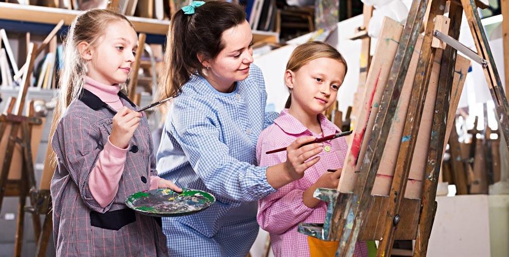Мастер-классы по ИЗО, лепке и занятие «ЛФК» в центре «Академия детства»