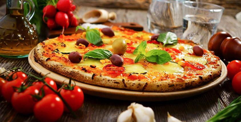 Добавьте яркую нотку в любую трапезу! Ароматная и аппетитная пицца с различными начинками от службы доставки Pizza4