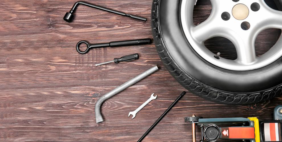 Шиномонтаж колес автомобиля вкомпании «Автопомощник 24»
