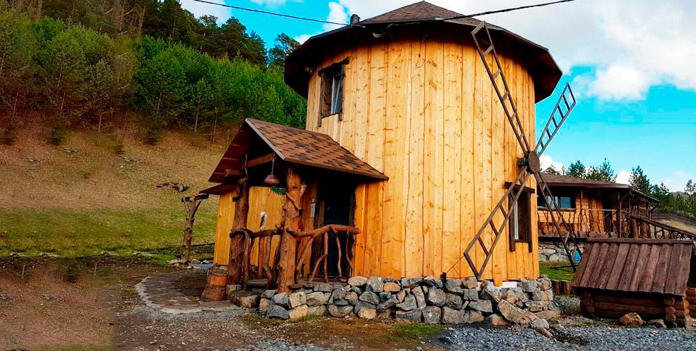Проживание вкоттедже, избе, таунхаусе вуютном горном приюте «Тайга»