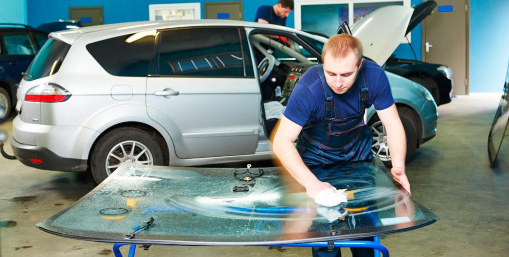 Замена лобового илизаднего стекла автомобиля вкомпании «Автостекло Магнитекс»