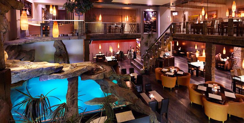 """Сказочный интерьер, прекрасный бассейн, музыка и талант поваров в ресторане """"Стейк's"""""""