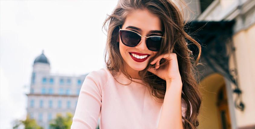 Консультация и косметическое отбеливание зубов в студии отбеливания зубов White&smile