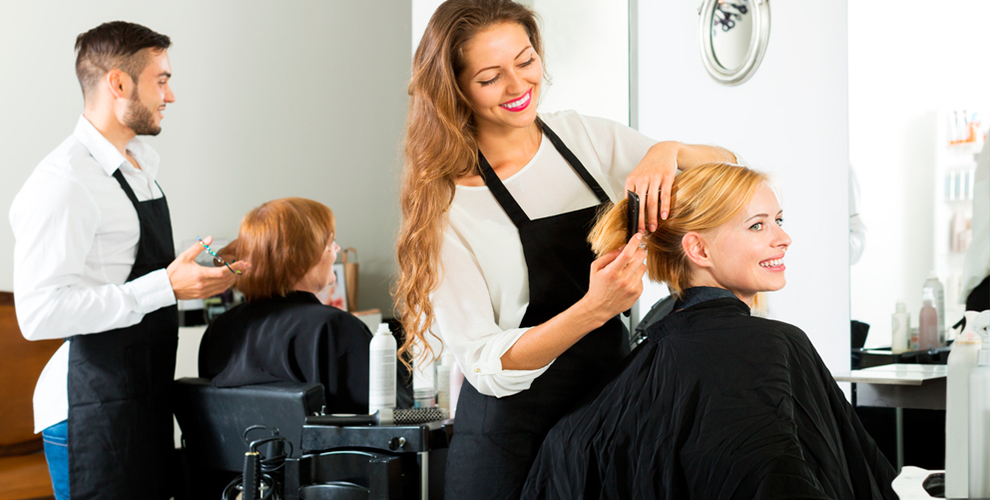 """Парикмахерские услуги, ногтевой сервис и многое другое в парикмахерской """"Фаворит"""""""