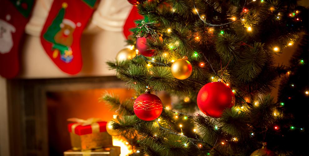 Новогодние товары от магазина искусственных елок в Екатеринбурге