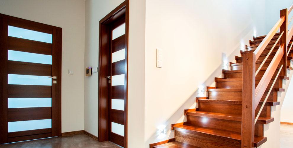Межкомнатные двери с комплектующими и замером от сети салонов «ДвериGood»