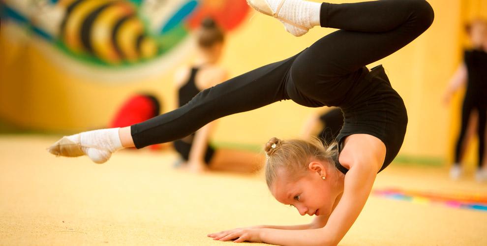 Занятия спортивной акробатикой длядетей встудии «Притяжение»