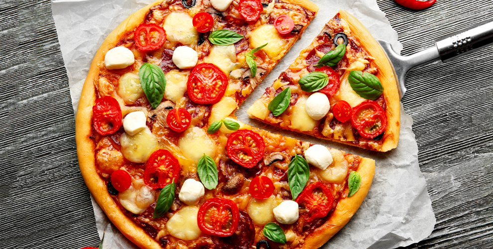 Пицца с аппетитными начинками от службы доставки «Плакунтос»