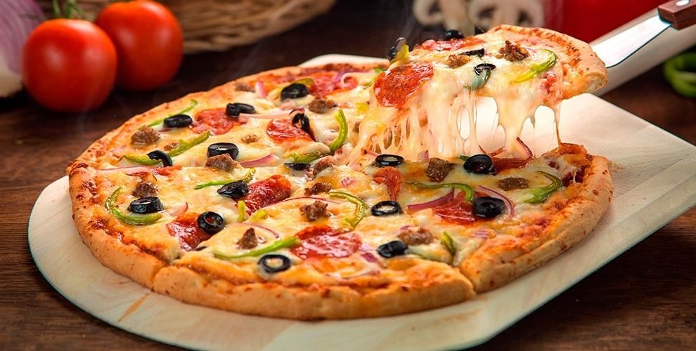 Всё меню итальянской, японской и европейской кухни за полцены от службы доставки Figaro pizza