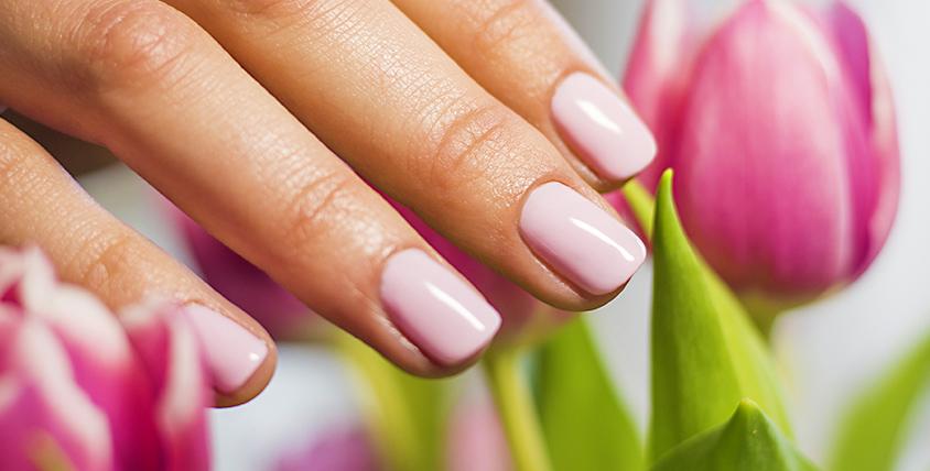 Маникюр, покрытие ногтей гель-лаком и экспресс-педикюр в студии IL DIVO