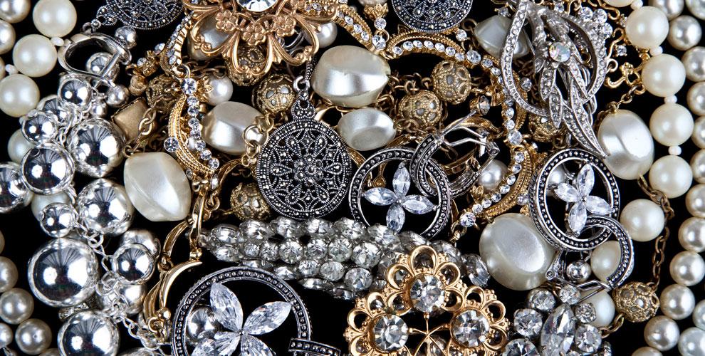 Ювелирные изделия из серебра и золота от сети салонов подарков «Золотой Ларец»