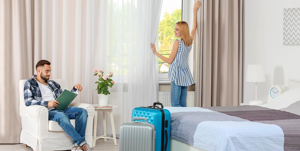 Проживание в номерах «Люкс» и «Полулюкс» в отеле «Антураж» в г. Новосибирске