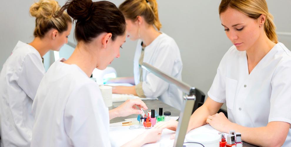 Курсы маникюра, дизайна ногтей и сахарной депиляции в школе Kristel-Profi