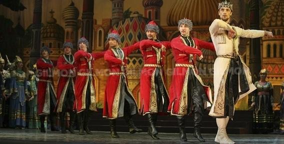 в Театр оперы и балета им.