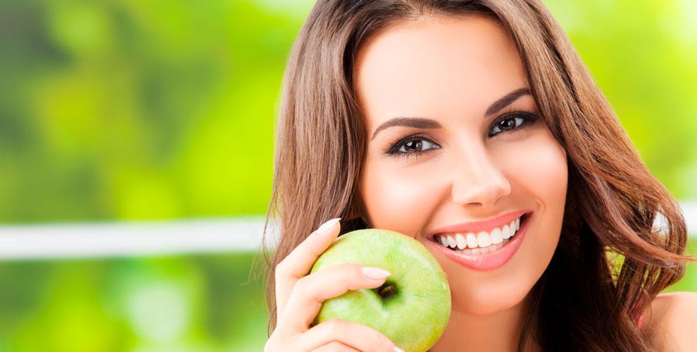 Косметическое отбеливание зубов в Smile Studio