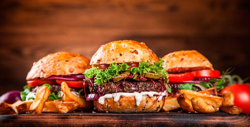 Бургеры на гриле, салаты, закуски, чай, сок и многое другое в кафе Burger Lounge