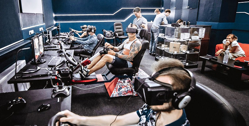 Космические сражения, полет на штурмовике и другие игры в компании Virtuality Club