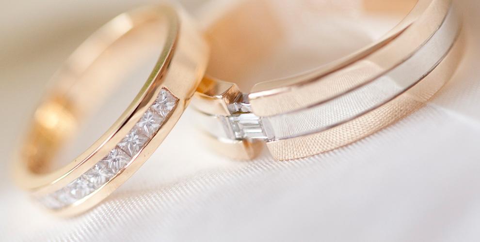 «Салон обручальных колец»: кольца из золота с драгоценными камнями