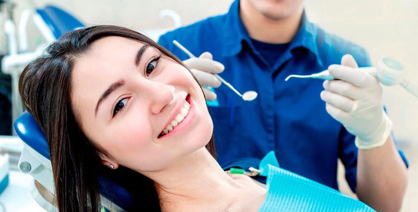 """УЗ-чистка зубов, лечение кариеса и установка пломбы в клинике """"Новое время"""""""