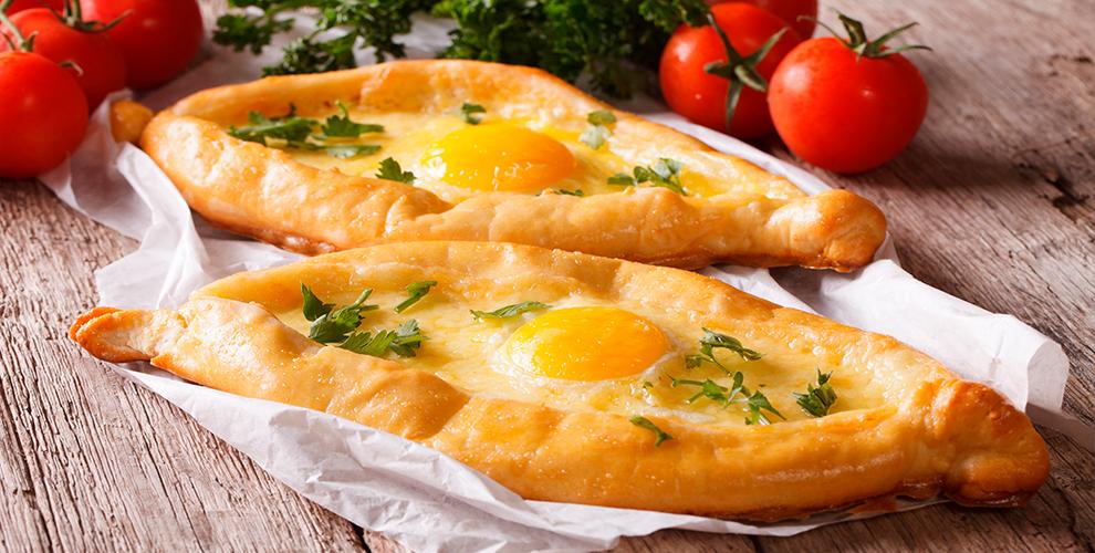 Блюда грузинской кухни в сети кафе «Хванчкара» и «Киндзмараули»
