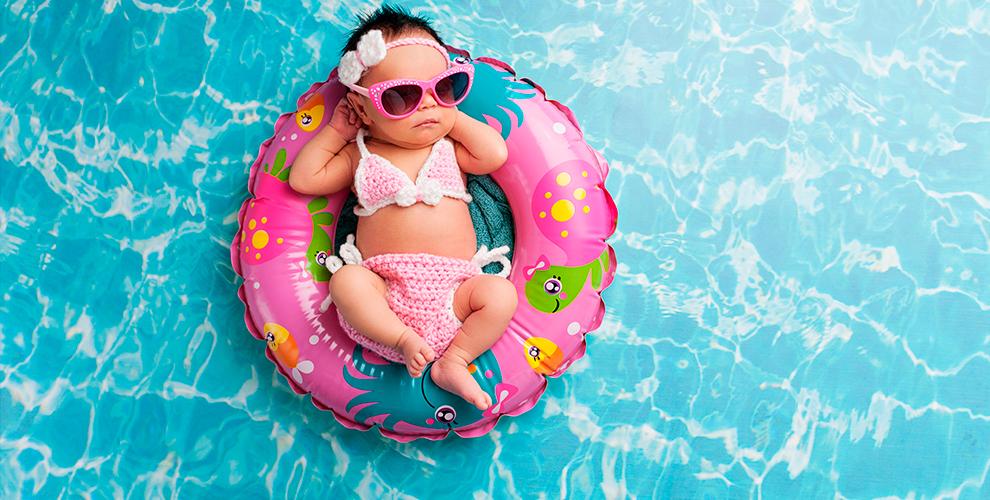 «Ква-кварики»: занятия грудничковым плаванием ихромотерапия