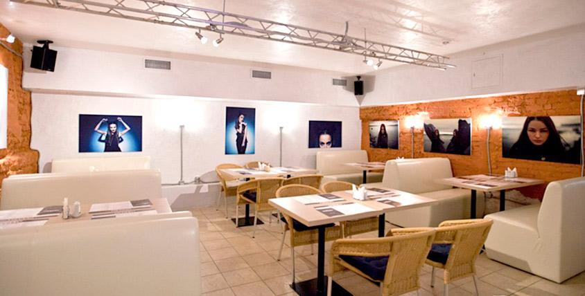 Суши и роллы в самом центре интеллектуальной и студенческой жизни Васильевского острова в кафе FaCULTet