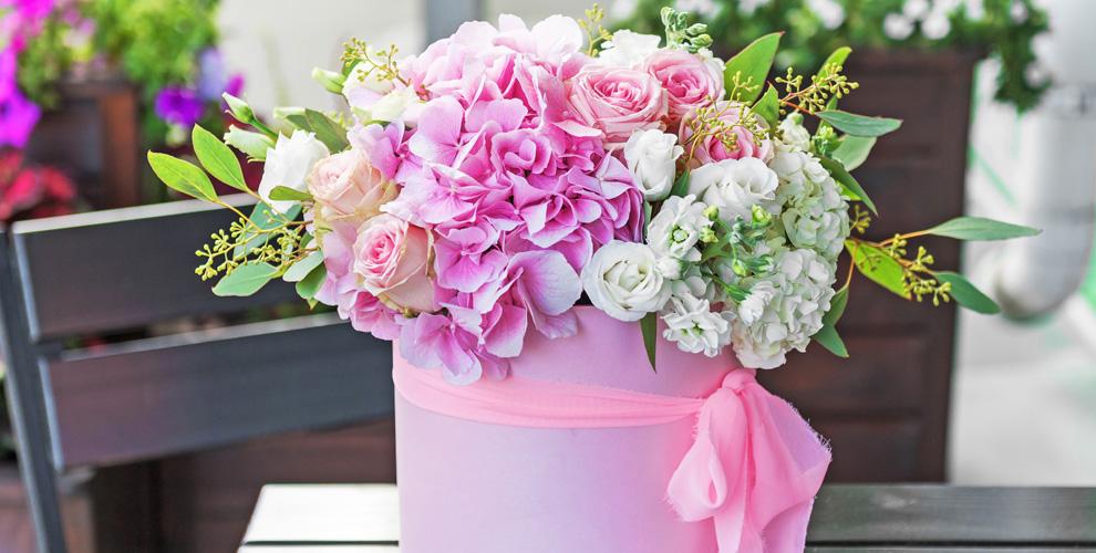 Композиции в коробках и цветы в ассортименте от салона цветов и подарков «Le Букет»