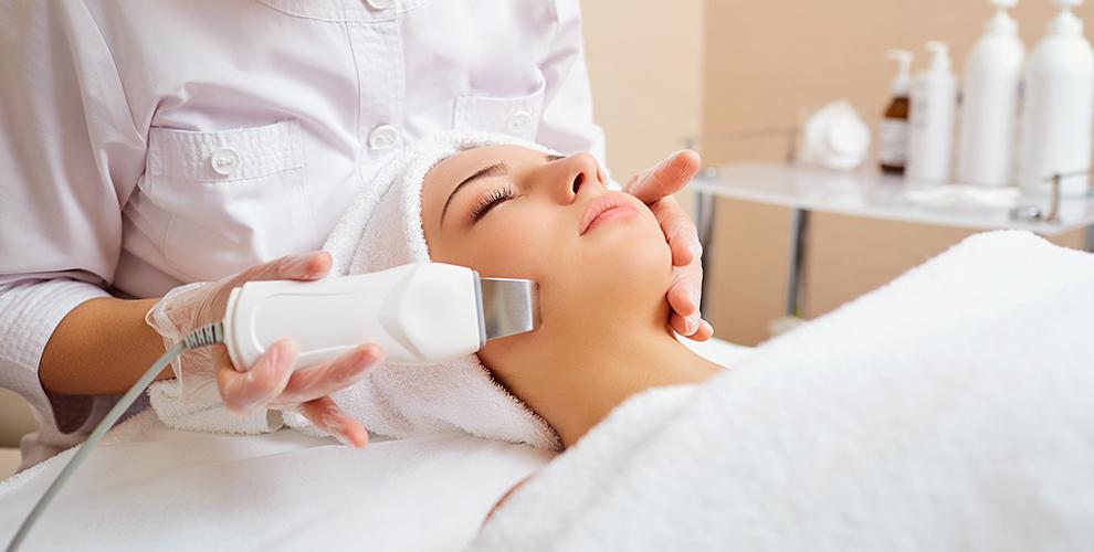УЗ-чистка, пилинг, карбокситерапия лица и другое в салоне-парикмахерской «Алита»