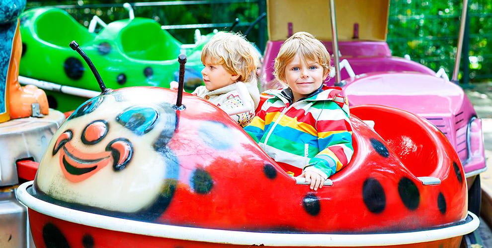 Карусели, аттракционы и другие развлечения в Парке Щорса