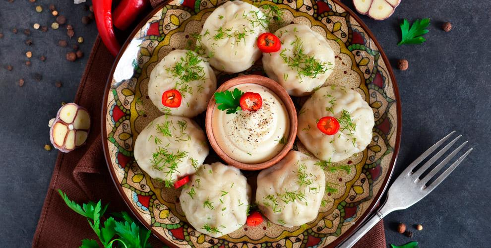 Горячие блюда, шашлык, салаты, закуски, десерты вгрузинском ресторанчике «Ушгули»