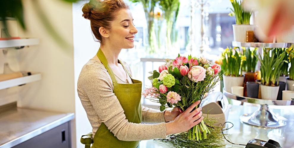 """Цветы для праздника, розы и герберы от салона """"Черника"""""""
