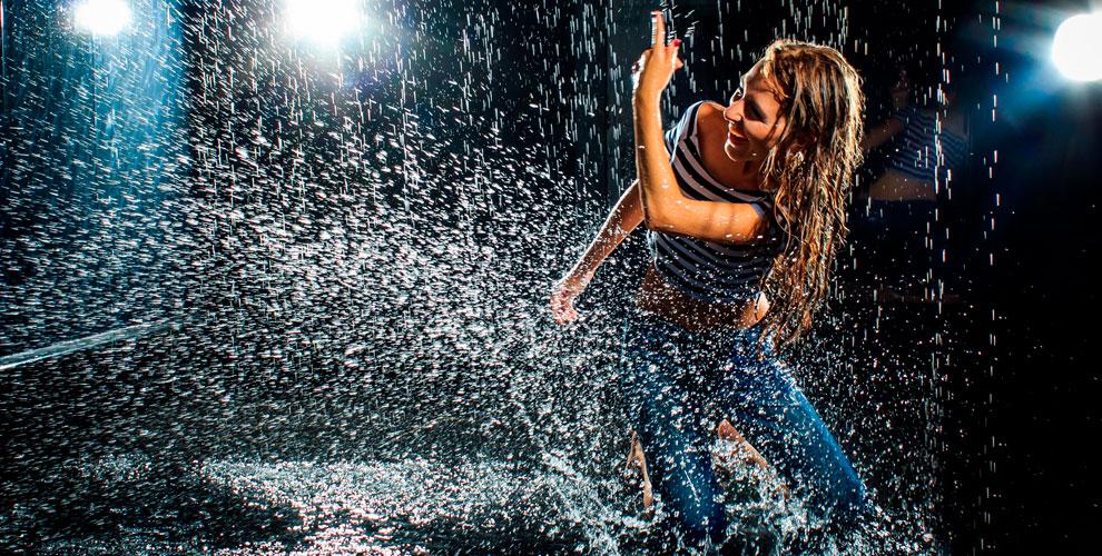 Фотостудия Dew Light: студийная аква-фотосессия «Под дождем»