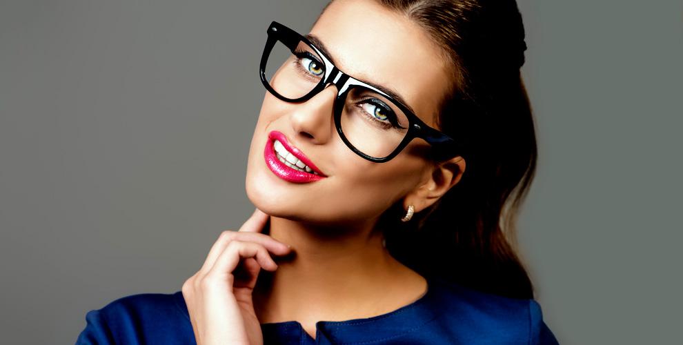 Медицинские оправы и солнцезащитные очки в сети салонов «Экспресс-Оптика»