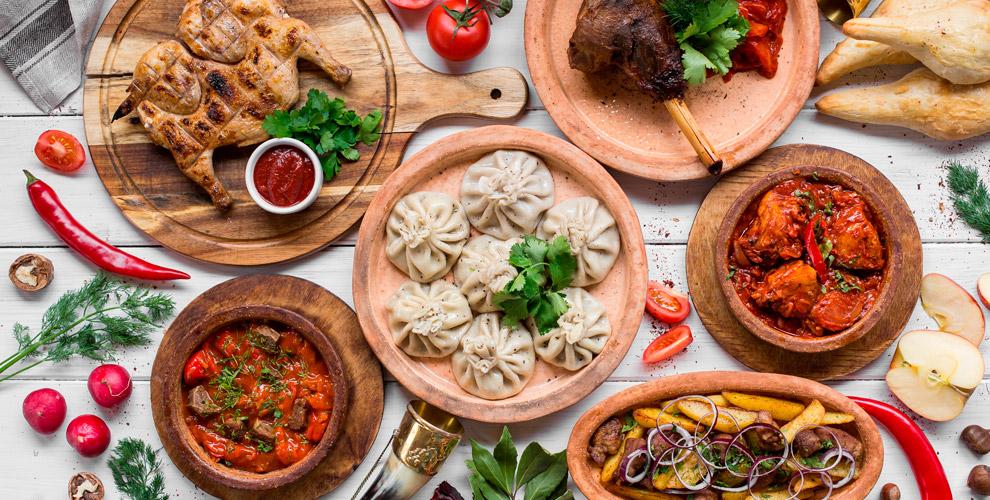 Горячие блюда, шашлык, салаты, закуски, десерты в грузинском ресторанчике «Ушгули»