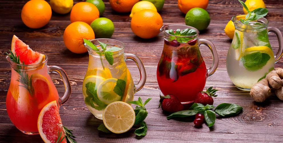 Разнообразные напитки в ресторане «1001 ночь»