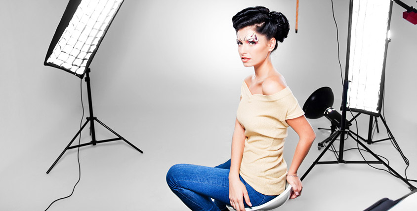 Студийная фотосессия для одного или двоих человек в фотостудии Monro photo
