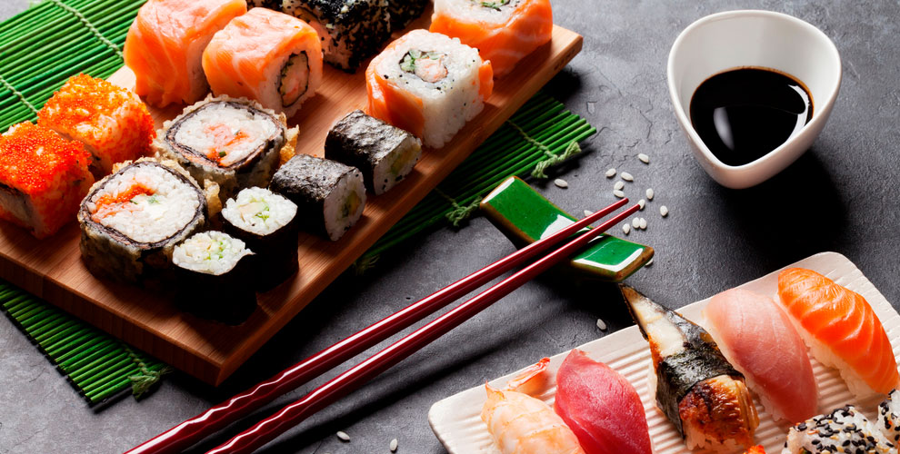 Сеты иWOK-меню отмагазина-бара «Суши иФреш»