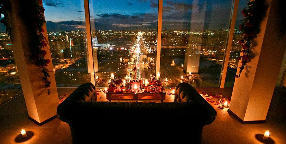 Уютное романтическое свидание на крыше и розыгрыш по цене букета из роз