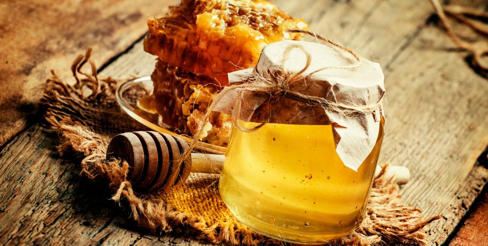 Ассортимент меда и различные подарочные наборы в магазине «Мадам Жу-Жу»