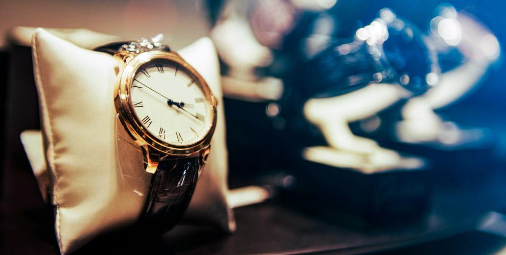 """Мужские и женские часы, аксессуары и ручки в салоне """"Швейцарские часы"""""""