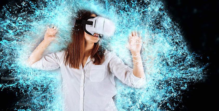 Игры в шлеме виртуальной реальности в клубе «Игровой Мир»