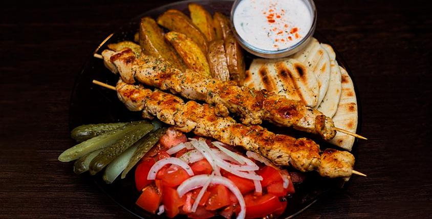 Ужин для двоих, четверых или шестерых человек в Sparta Grill Bar