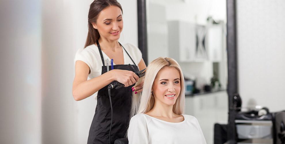 Курс по кератиновому выпрямлению, ботоксу волос и другое в студии красоты «Шпилька»